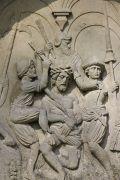X. Station: Die Dornenkrönung und Verspottung Jesu
