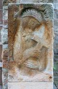 Prellstein an der Heilig-Kreuz-Kirche von Hubert Wiggering
